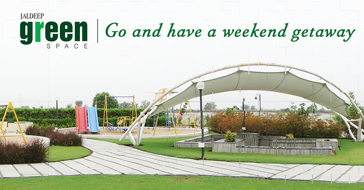The time you spend with your kids is the time well spent. Take out some time and enjoy the weekend. #ShreeRadhaKrishnaGroup #Ahmedabad #Parks #Homes #JaldeepGreenSpace
