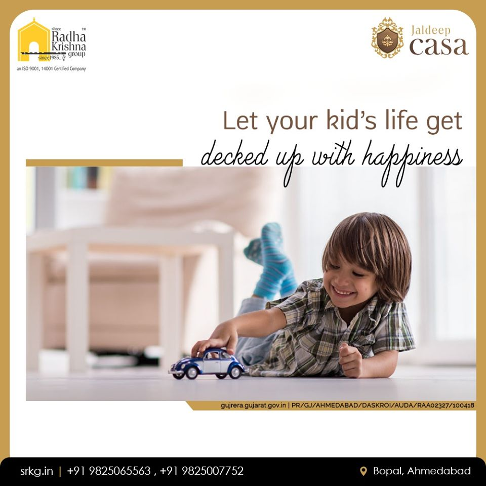 Home is the birth-place of happiness!  Let your kid's life get decked up with happiness at #JaldeepCasa  #WorkOfHappiness #Bopal #Amenities #LuxuryLiving #ShreeRadhaKrishnaGroup #Ahmedabad #RealEstate https://t.co/piN29Uz1J5